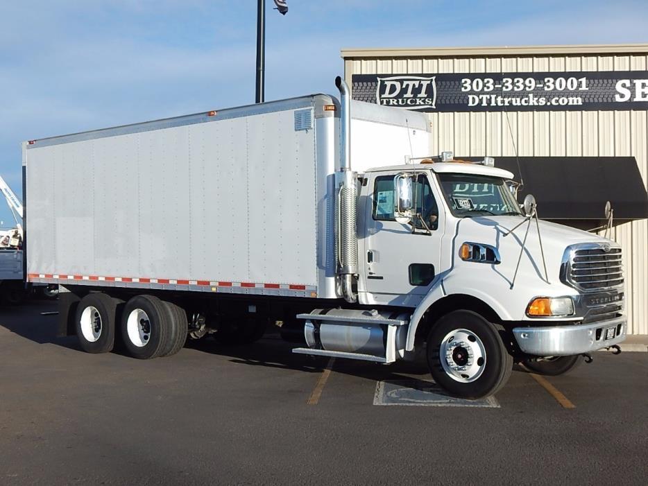 2007 Sterling Lt9500 24' Box Truck  Box Truck - Straight Truck