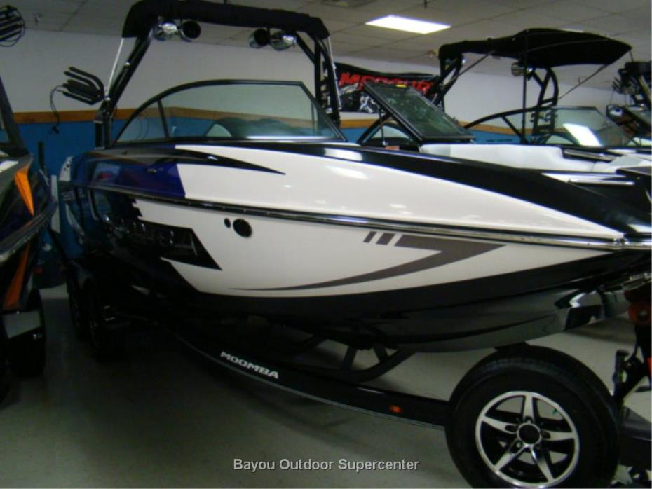 2016 Moomba Mojo (Plum Purple Flake/White/Black)