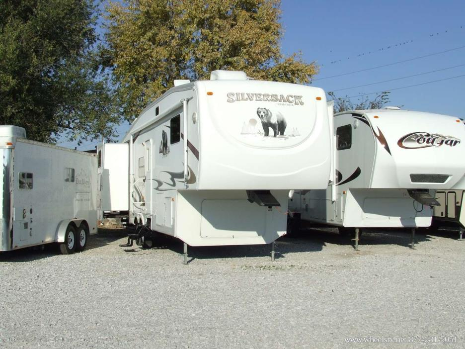 2007 Forest River Cedar Creek Silverback 33LBHTS
