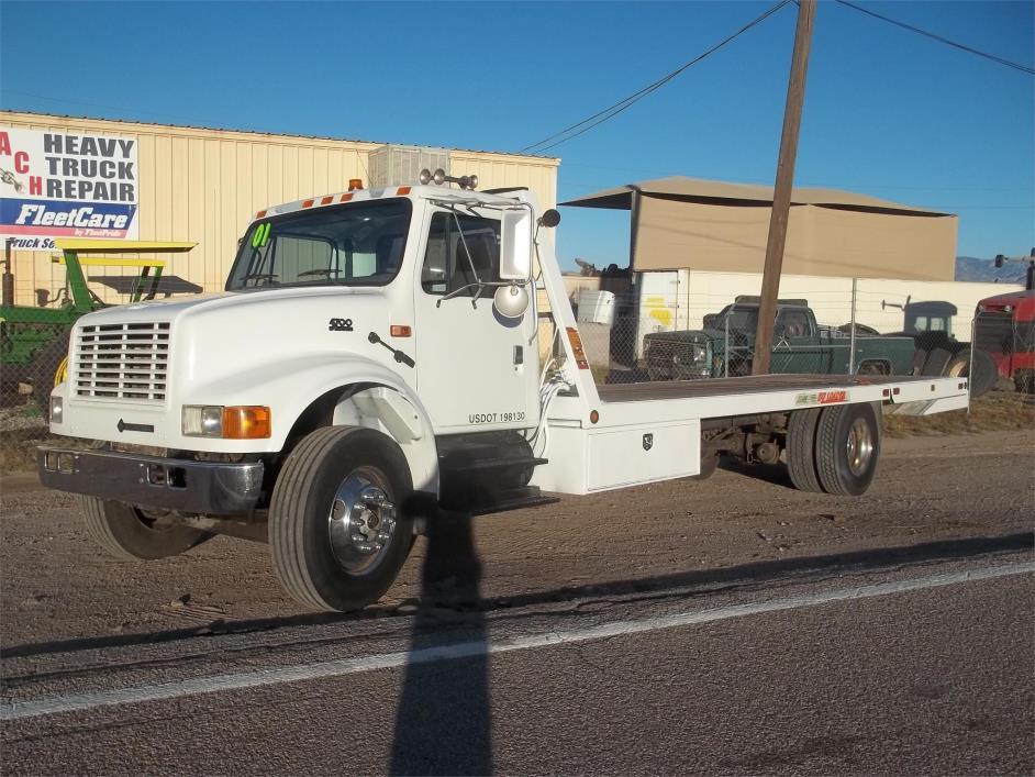 2001 International 4700  Rollback Tow Truck