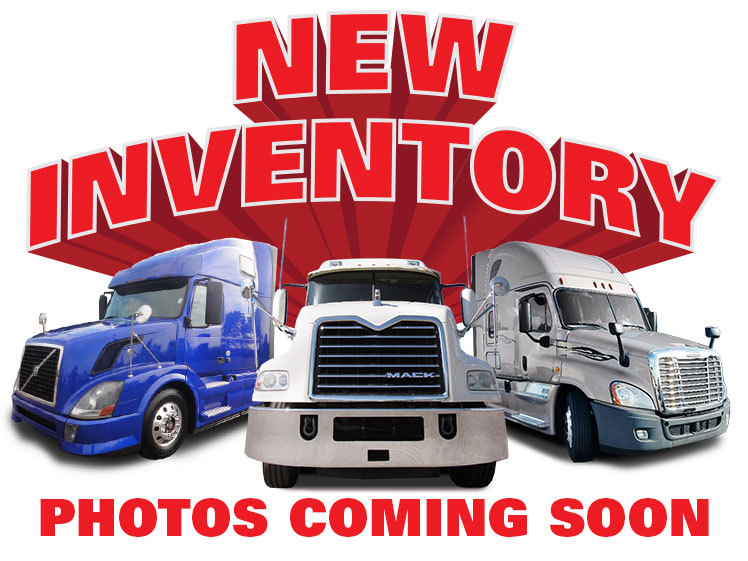 2004 Capacity Tj7000  Yard Spotter Truck