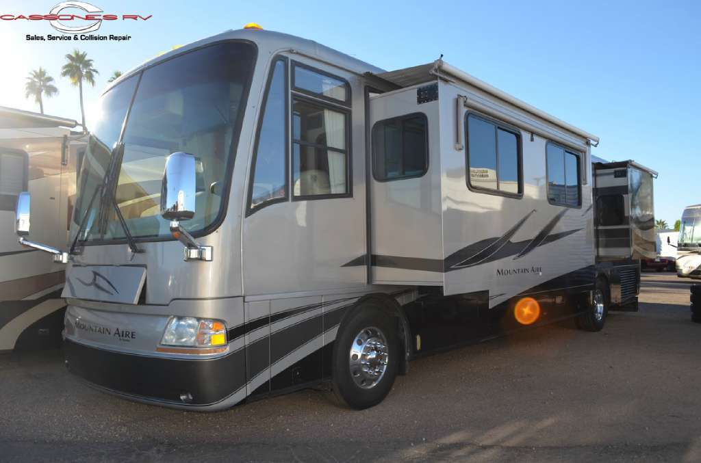 2005 Newmar Mountain Aire 4032DP