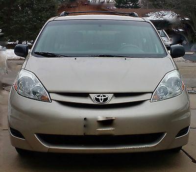 2006 Toyota Sienna CE Mini Passenger Van 4-Door 2006 Toyota Sienna CE Mini Passenger Van 4-Door 3.3L