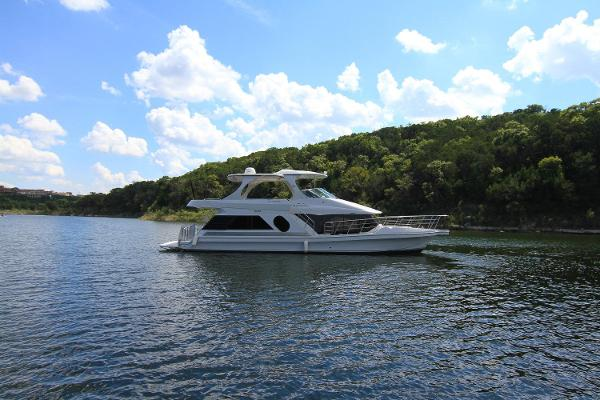 2006 Bluewater Yachts 5200
