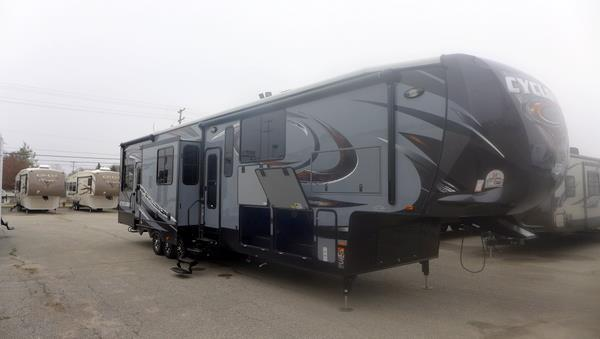 2015 Heartland Rv Cyclone 4150