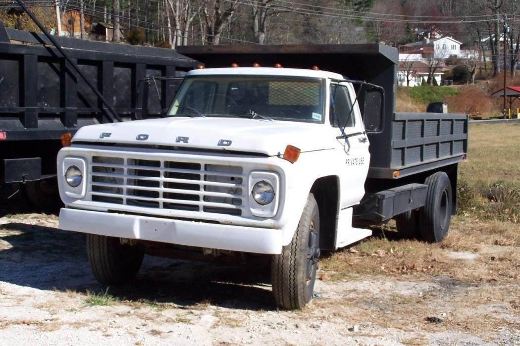 1978 Ford F7000  Dump Truck