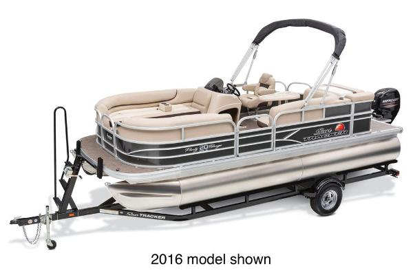 2017 Sun Tracker Party Barge 20 DLX