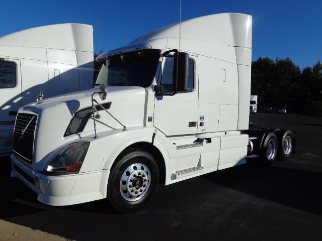 2012 Volvo Vnl64t630  Conventional - Sleeper Truck