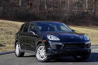 2012 Porsche Cayenne  2012 Porsche Cayenne 6 SPEED MANUAL!!! ONE OWNER!!!