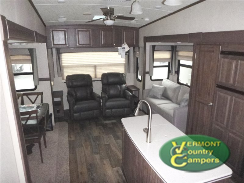 2017 Forest River Rv Rockwood Signature Ultra Lite 8289WS
