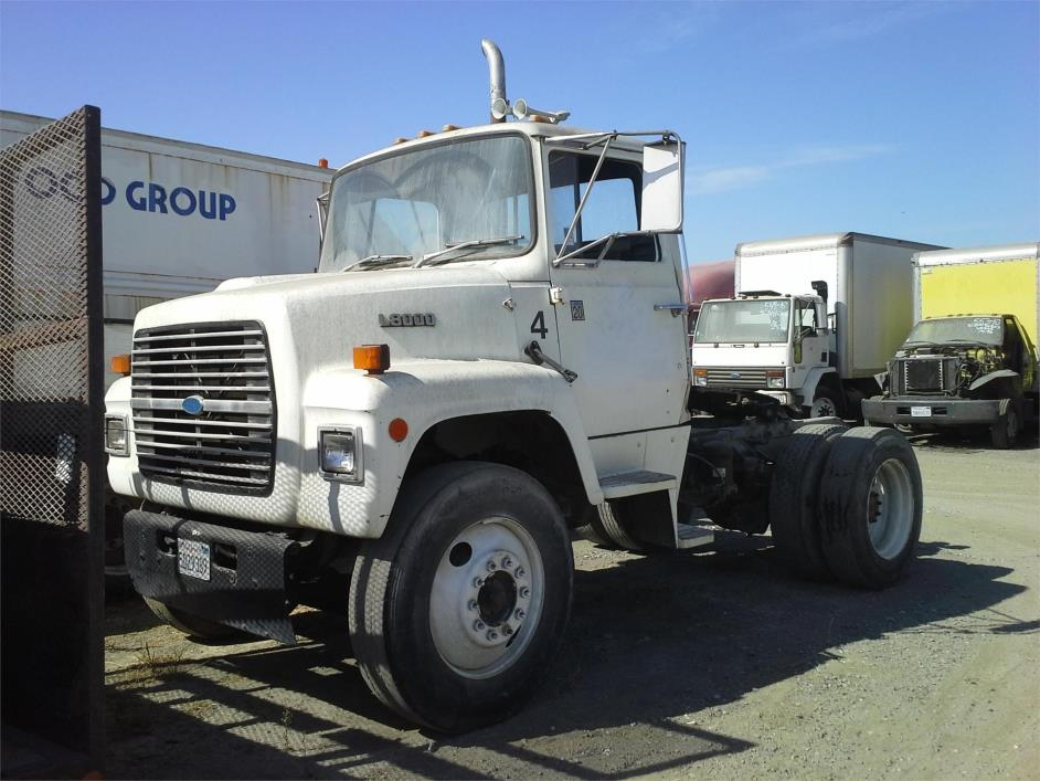 1987 Ford L8000  Conventional - Day Cab