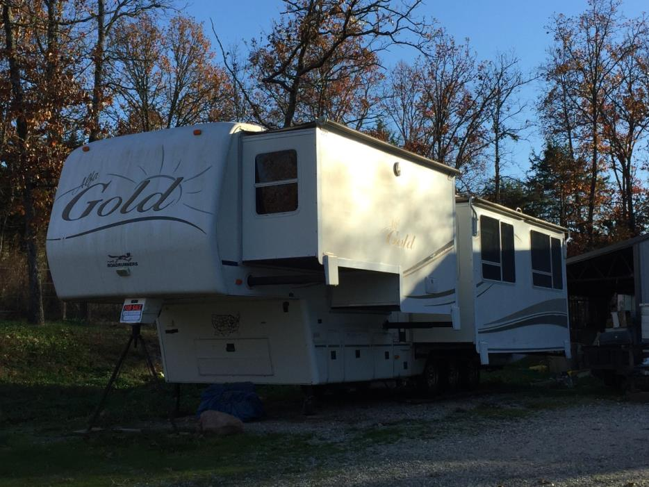 2004 Alfa GOLD 36FT. TRIPLE SLIDE-OUT 5TH WHEEL