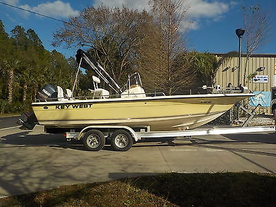 NICE 2005 KEY WEST 216 BAY REEF CC BAY BOAT 200 HP YAMAHA OX66 MOTOR BULLS 196