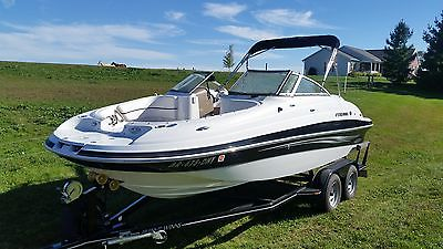 2009 Four Winns deck boat