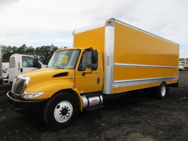2013 International Durastar 4300 Moving Van