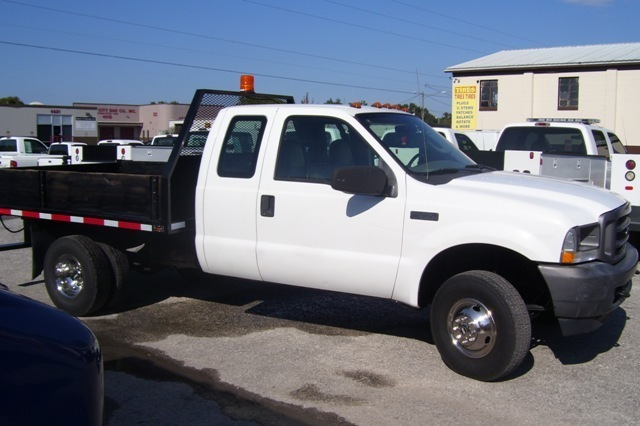 2004 Ford F350  Contractor Truck