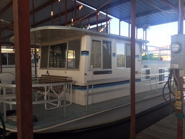 1969 Gibson House Boat 32'