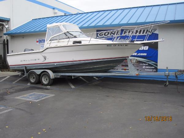1990 Bayliner 2302 Trophy Walkaround DX/LX