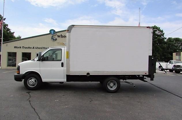 box truck for sale in springfield missouri. Black Bedroom Furniture Sets. Home Design Ideas