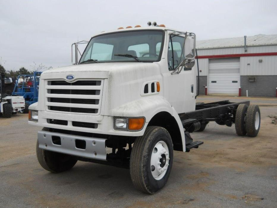 1997 Ford L8501 Cab Chassis