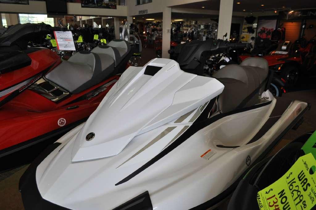 2015  Yamaha Motor Corp.  USA  VX Cruiser
