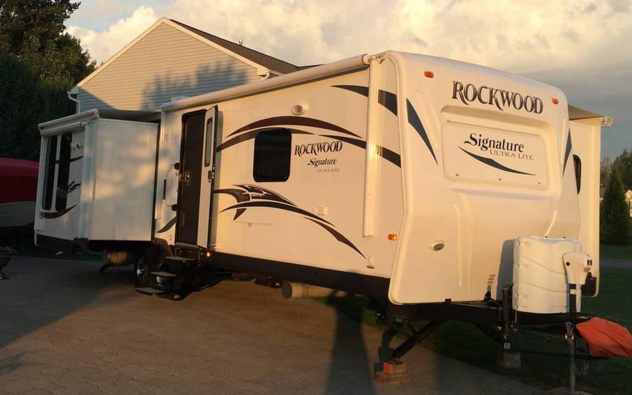 2014 Forest River Rockwood Signature 8329SS