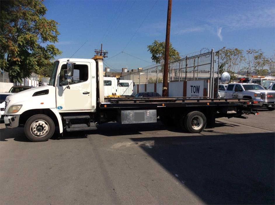2009 Hino 258  Rollback Tow Truck