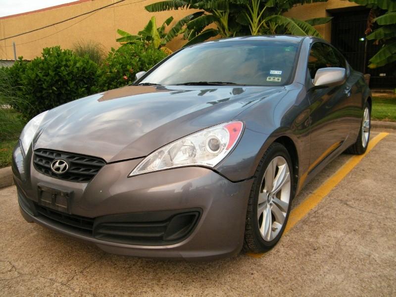 2012 Hyundai Genesis Coupe 2dr I4 2.0T Auto