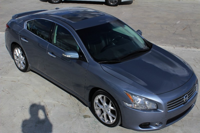 2010 Nissan Maxima SV Premium - One Family Owned! Florida Car!