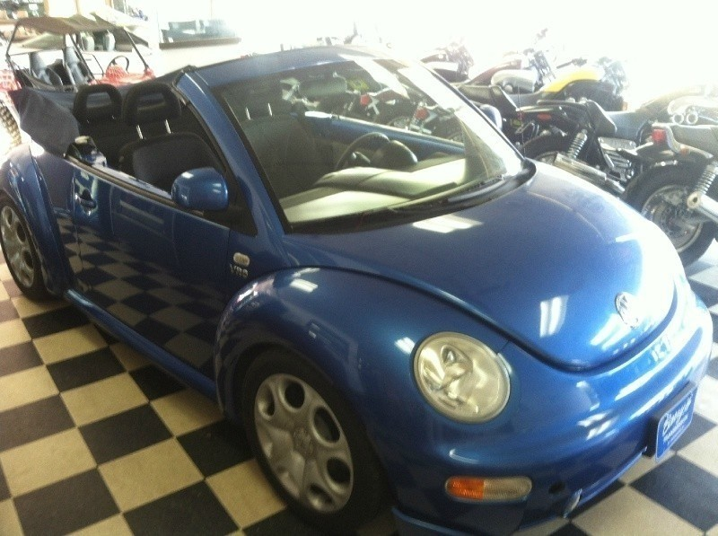 1999 Volkswagen New Beetle 2dr Cpe Convertible GLS Auto FINANCING AVAILABLE