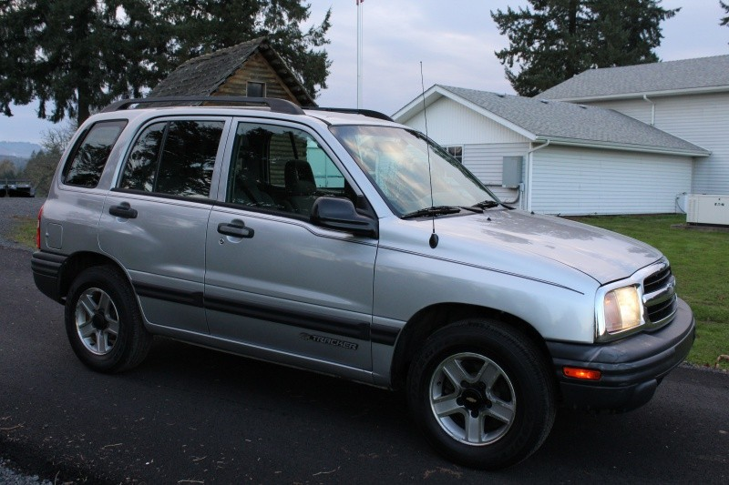 2003 Chevrolet Tracker 4dr Hardtop 2WD