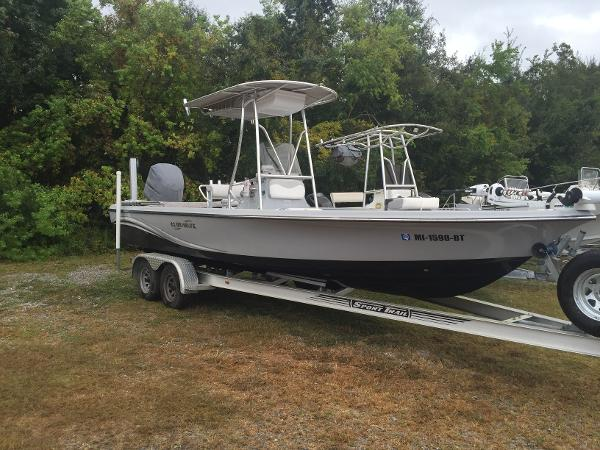 2011 Blue Wave 2400 Pure Bay
