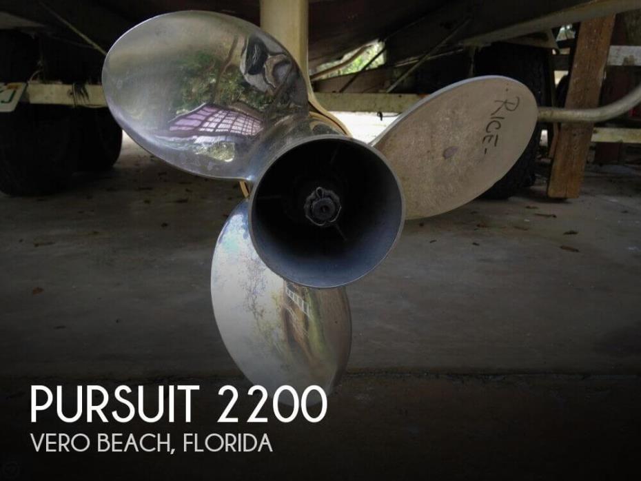 1988 Pursuit 2200
