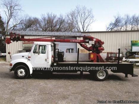 2000 International 4700 64ft Skyhook sign Crane Boom Truck – M121631