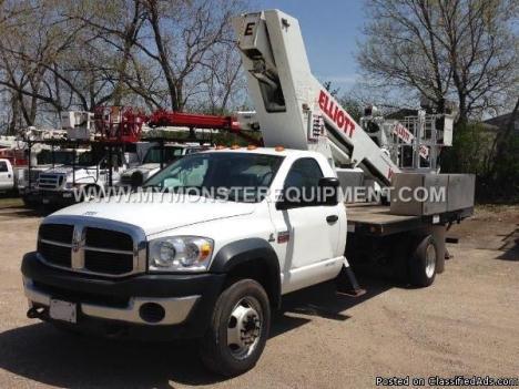 2009 Dodge 5500 HD 63ft Elliott Bucket Boom Truck – M050641