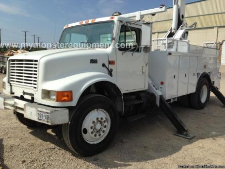 1997 International 4900 Altec 50ft Bucket Boom Truck – M053041