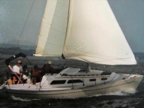 1985 Islander Sloop