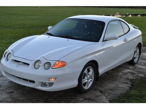 Hyundai : Tiburon 2dr HB COUPE 01 hyundai tiburon 1 owner only 54 k miles 2 tone leather 5 speed