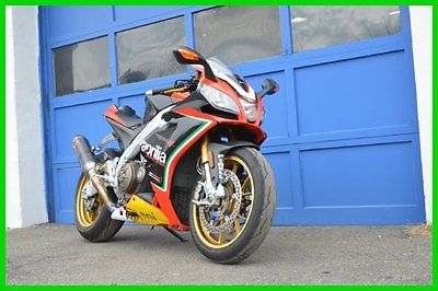Aprilia : RSV4 APRILIA RSV4 FACTORY APRC ABS AKROPOVIC FACTORY EXHAUST DEALER INSTALLED