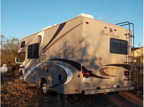 2015 Thor Motor Coach Four Winds 23