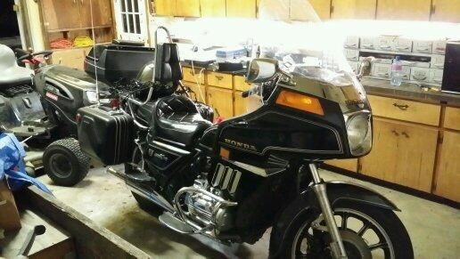 1983 Honda Goldwing GL1100 for sell 1400.00