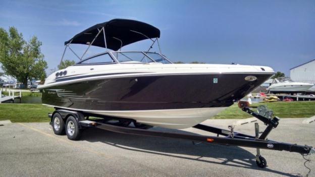 Larson 2012 258 LXI Bow Rider