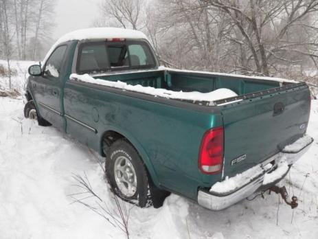 1997 Ford F150 Parting out a clean 4x4 XLT