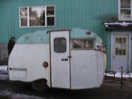 1966 SERRO SCOTTY CANNED HAM GLAMPER
