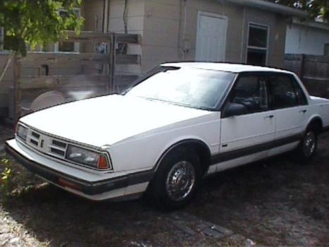 1990 Oldsmobile Olds Delta 88 Royale $1200 obo will trade for pick