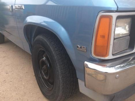 1989 DODGE DAKOTA lil work truck FOR SALE clean title and ready to go