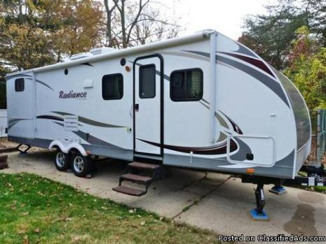 2012 Cruiser RV Radiance