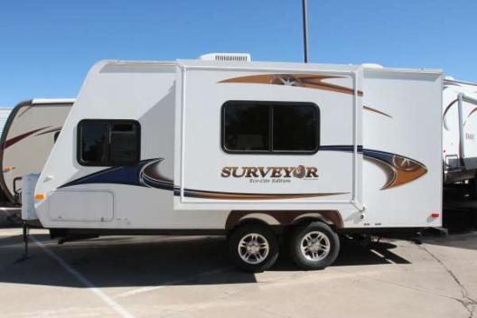 2011 Surveyor SV-235RKS