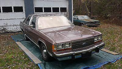 1989 Ford LTD Crown Victoria LX Sedan 4