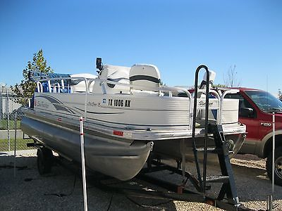 2009 Sun Tracker 18' Tan/Blue Party Pontoon Boat